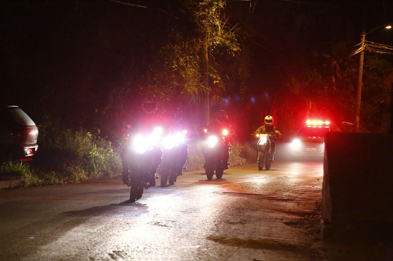 Bandidos rendem empresário e roubam veículo de aproximadamente R$ 300 mil em Criciúma