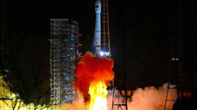 Sonda chinesa é a primeira a pousar no lado escuro da lua