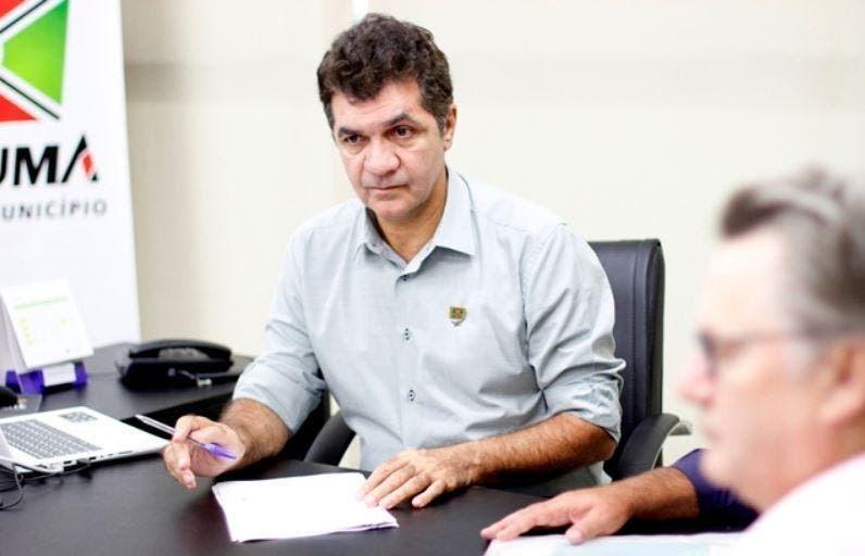 Com sobra: pesquisa mostra Clésio Salvaro com 70% das intenções de votos