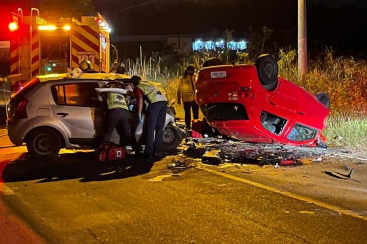Em andamento: acidente grave tira vida de uma pessoa em Criciúma; outras duas vítimas estão presas às ferragens