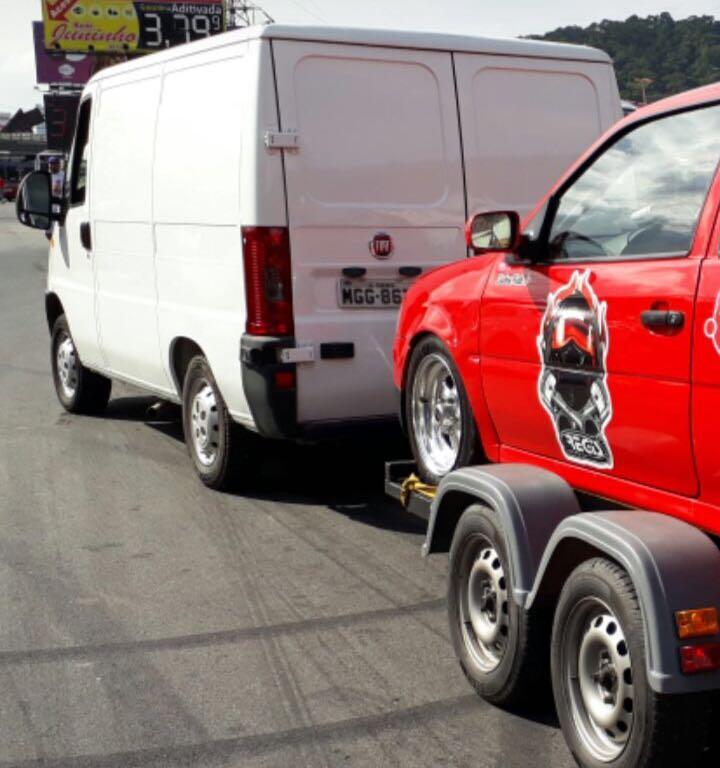 Ladrões fazem série de assaltos a veículos