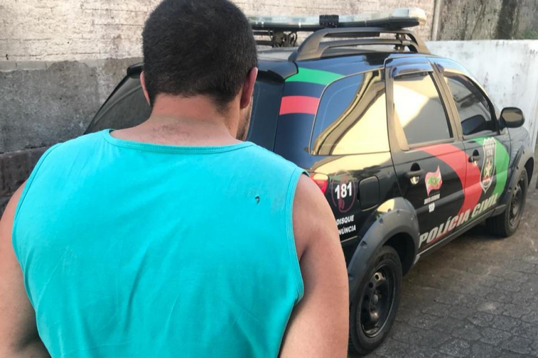 Polícia Civil detém criminoso que prendia sua esposa em casa