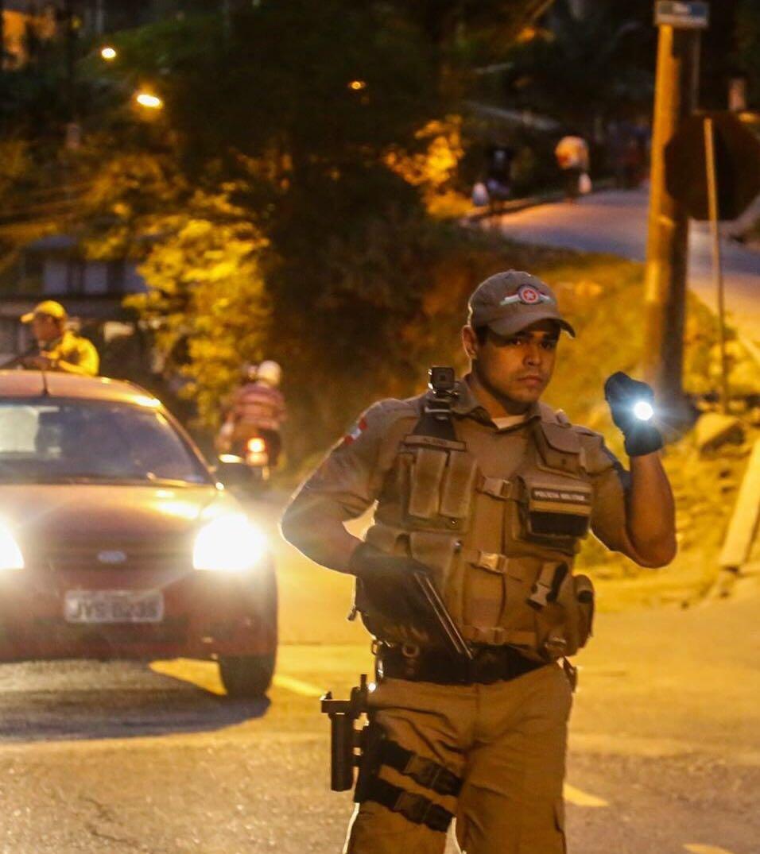 Bandido armado rouba taxista em Criciúma