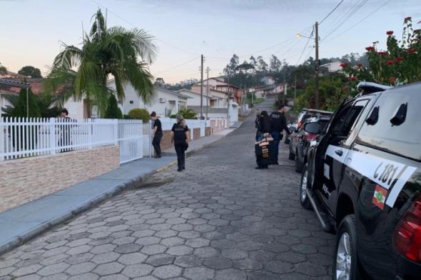 Mulher é afastada por cometer irregularidades na emissão de identidades em Lauro Müller