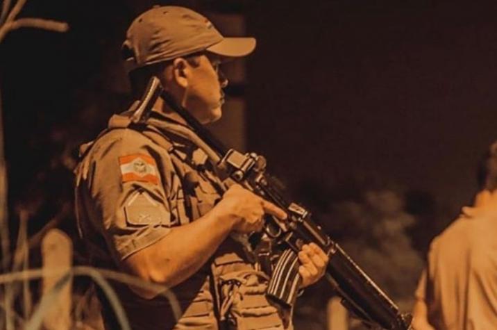 Assaltantes invadem residência, rendem família e roubam carro em Criciúma
