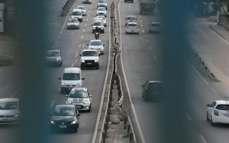 Governador sanciona lei que proíbe apreensão de veículos com IPVA atrasado