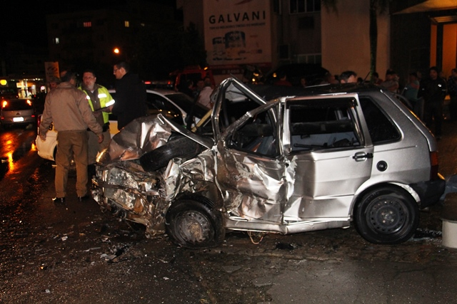 Duas pessoas morrem em acidentes na noite desta sexta-feira