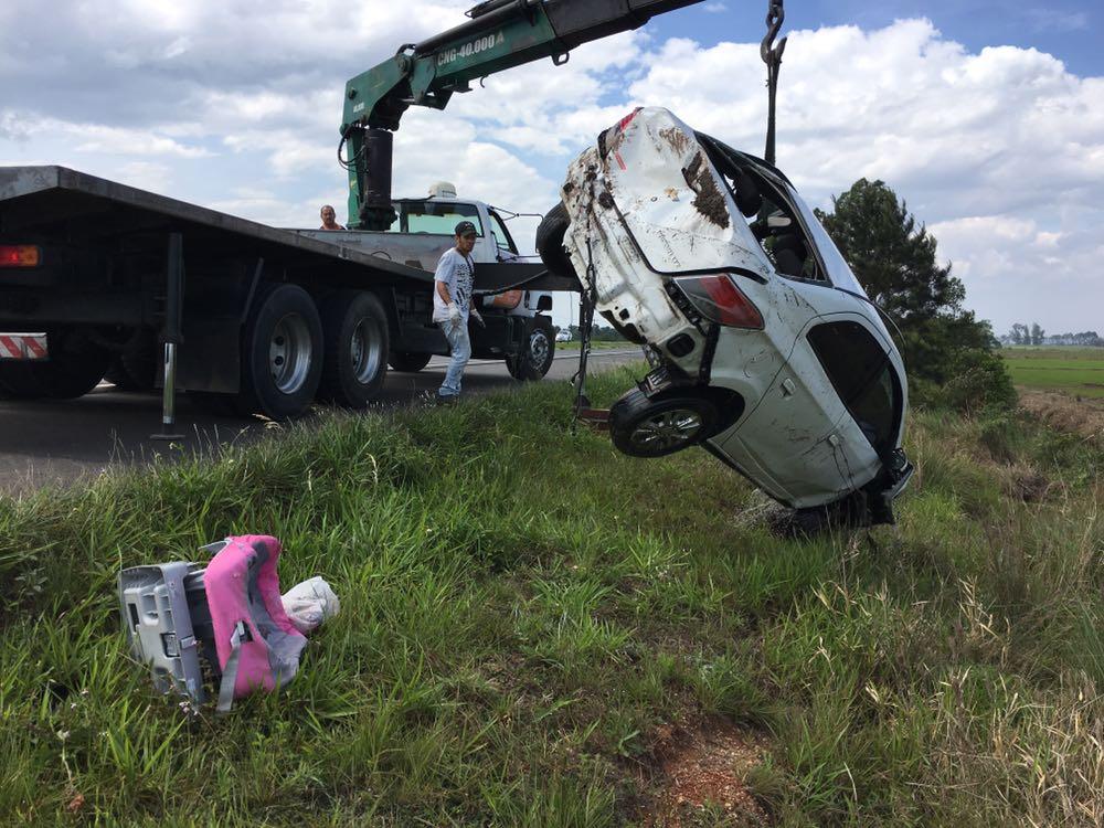 Mulher morre em acidente na BR-101
