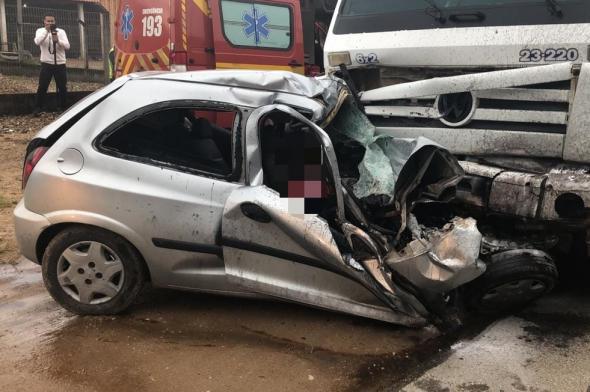 Quatro bandidos morrem durante fuga em Tijucas