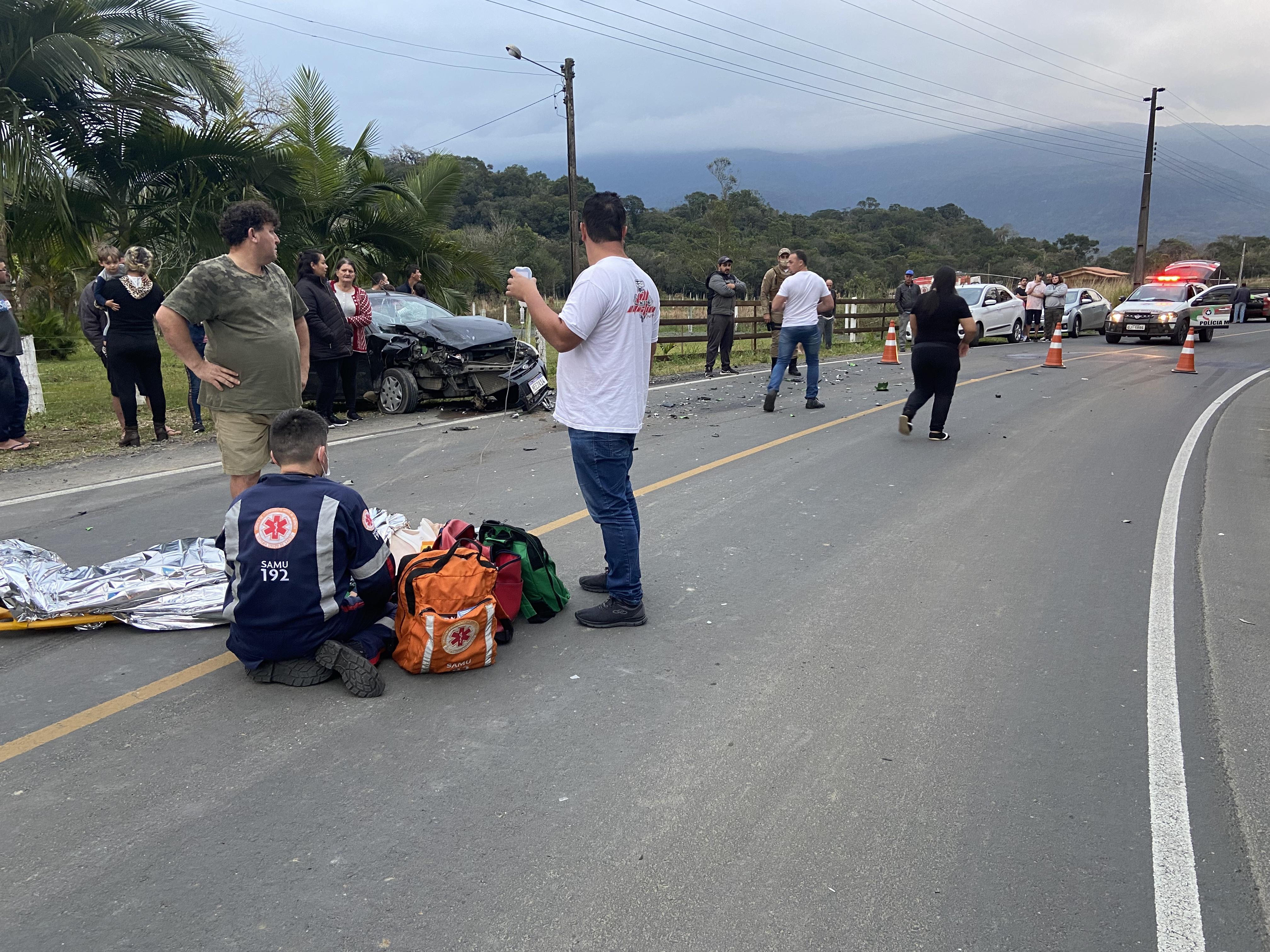 Em andamento: acidente grave deixa duas pessoas gravemente feridas em Nova Veneza