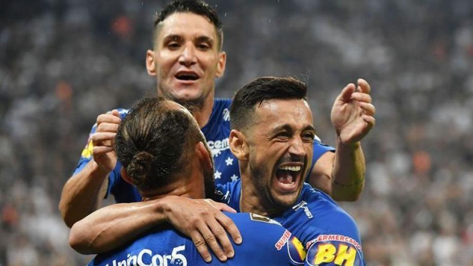Cruzeiro bate Corinthians e é campeão pela sexta vez da Copa do Brasil