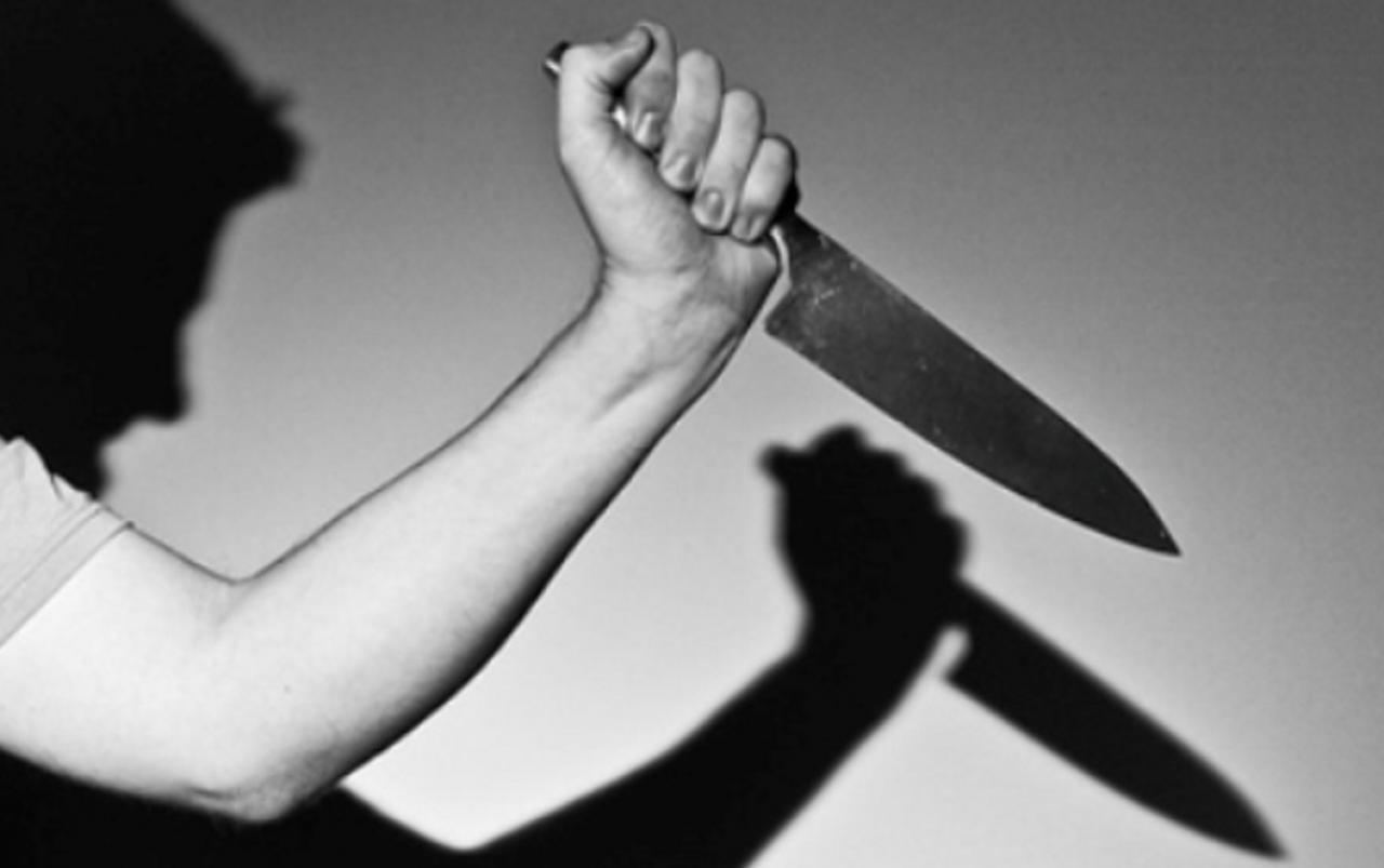 Criminoso é preso após matar a mãe com mais de 30 facadas