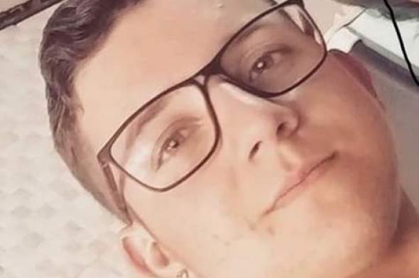 Polícia procura por motorista que atropelou e matou jovem em Criciúma