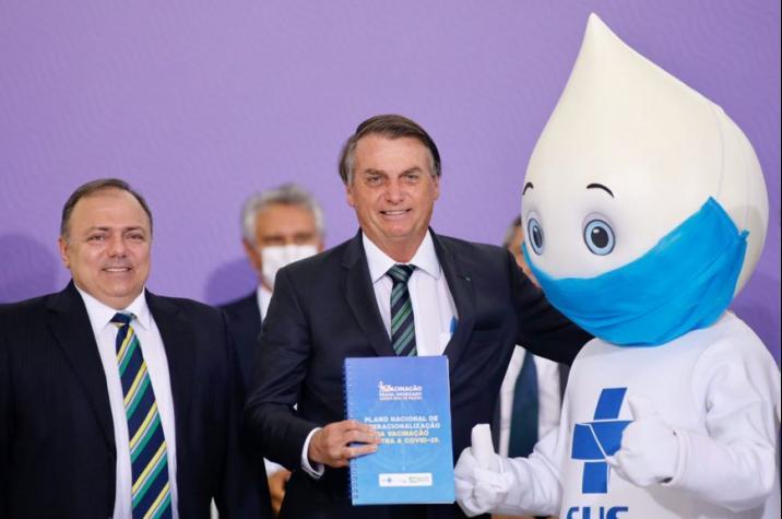 'Realmente, nos afligiu desde o início', diz Bolsonaro sobre a pandemia