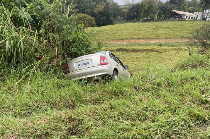 Aquaplanagem provoca acidente na descida do Morro da Bananeira