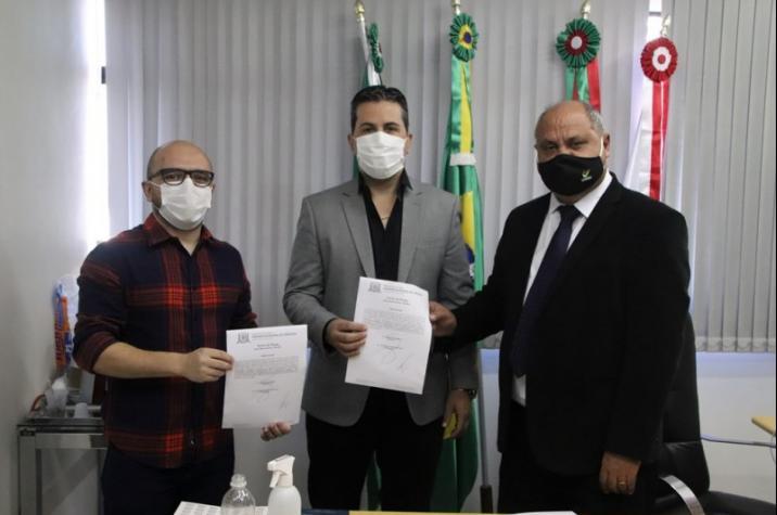 Jefferson Monteiro assume cadeira na Câmara de Criciúma