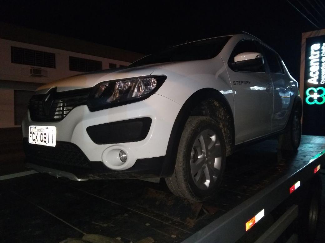 PM recupera veículo roubado e prende partícipe