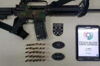 bandido preso com fuzil AR-15 em Florianópolisé é solto pela terceira vez