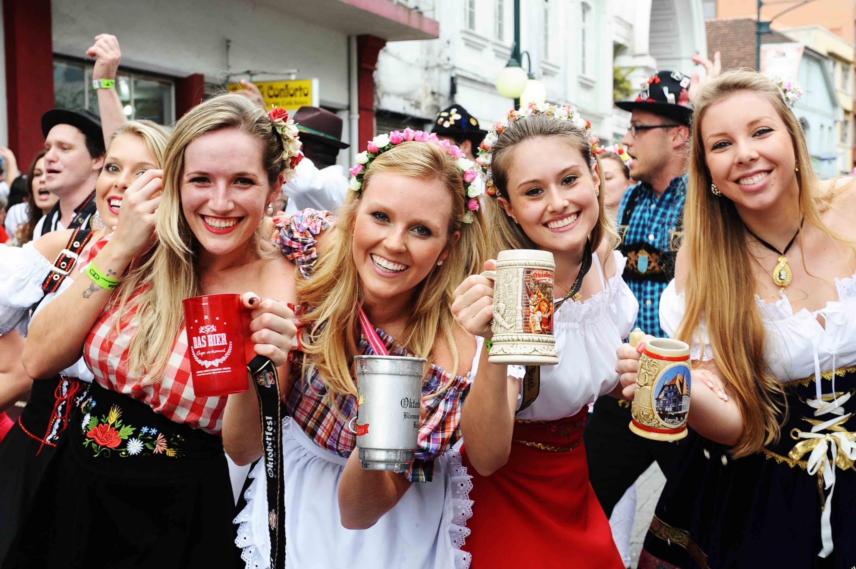 Oktoberfest deve receber cerca de 600 mil visitantes a partir desta quarta-feira