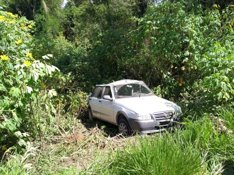 Acidente deixa motorista gravemente ferido
