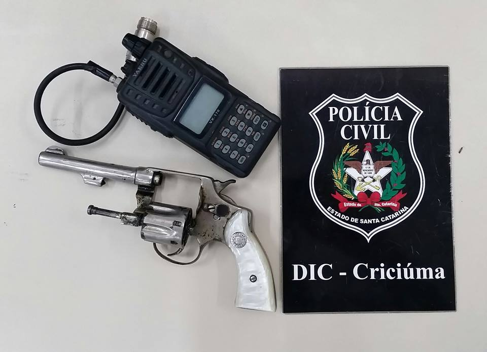 Polícia Civil apreende arma de fogo