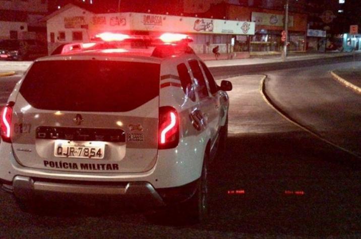 Bandidos armados invadem conveniência de posto em Criciúma
