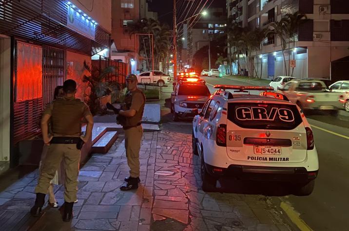 Polícia Militar prende advogada em Criciúma; drogas e armas são apreendidas