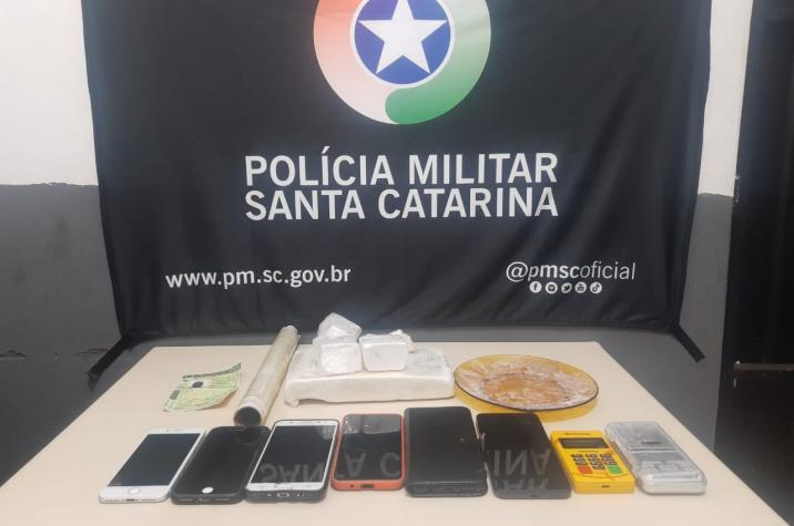 Mais dois traficantes presos: PPT prende bandidos e apreende cocaína em Criciúma