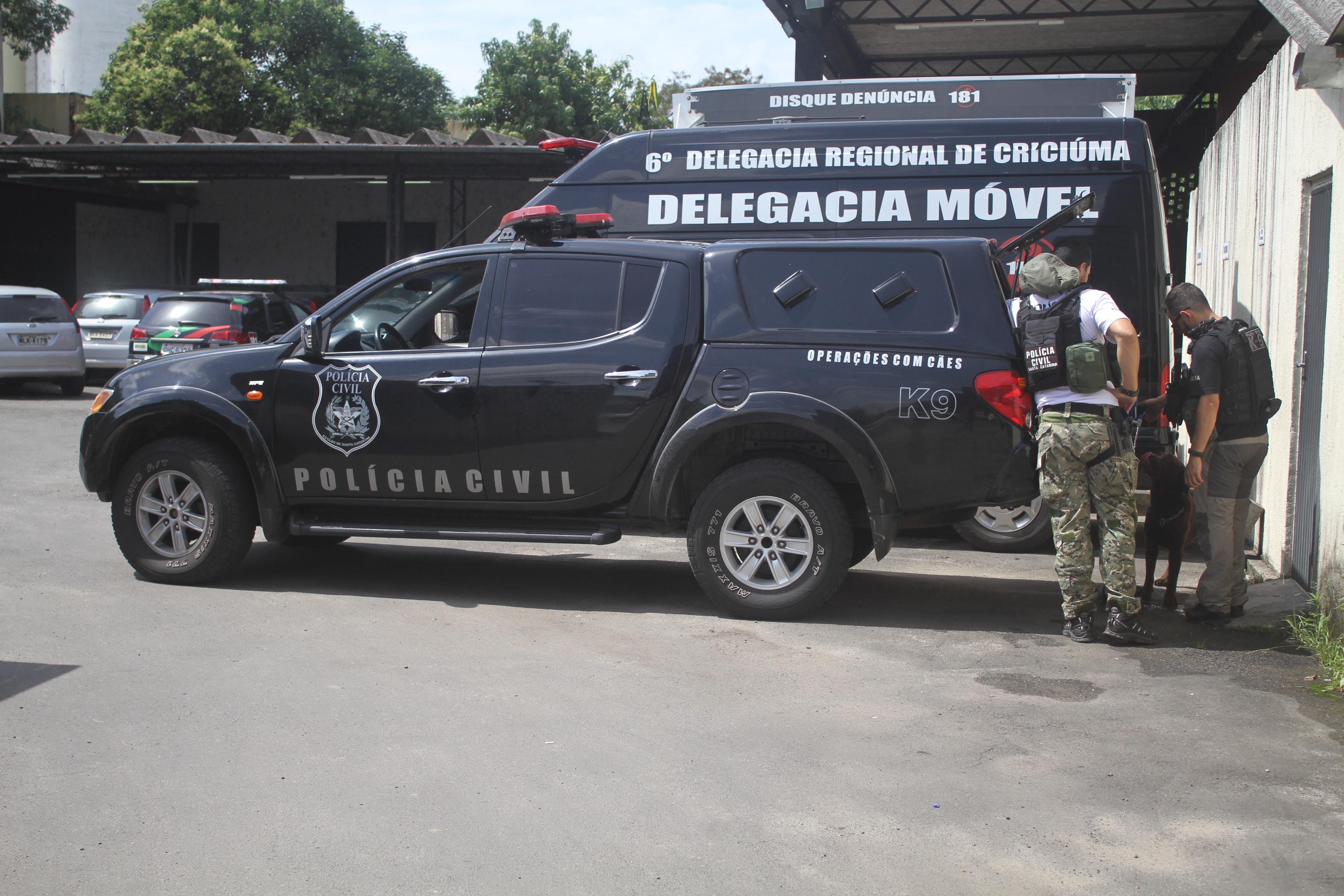 Membros de facção criminosa são presos em Criciúma