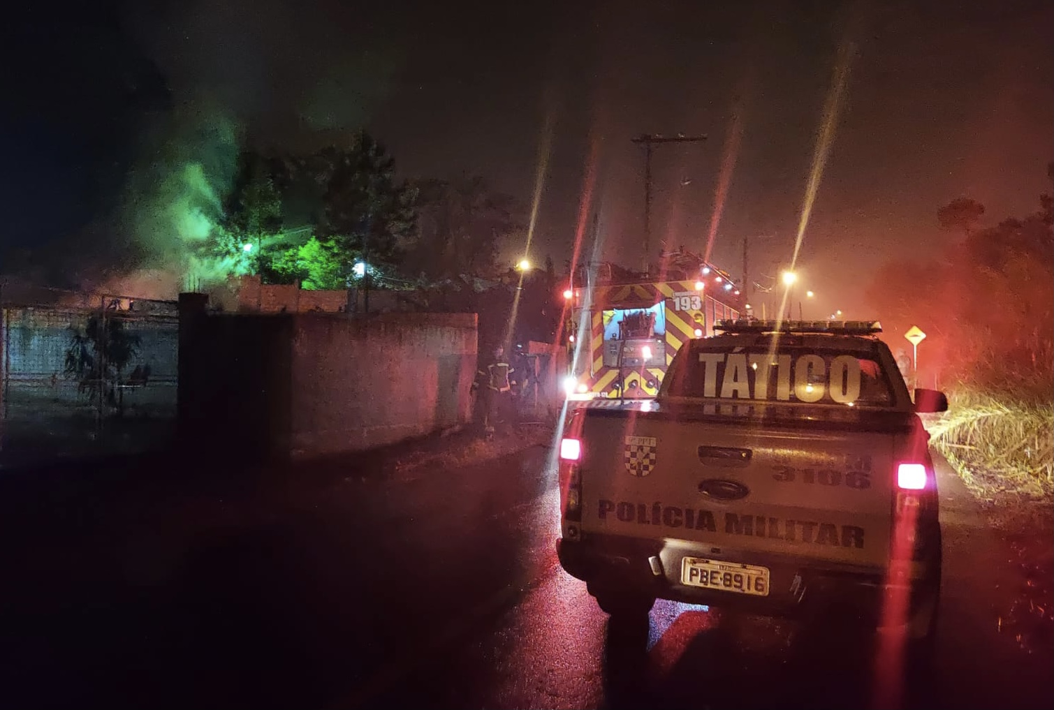 Após homicídio, criminosos incendeiam duas residências em Criciúma