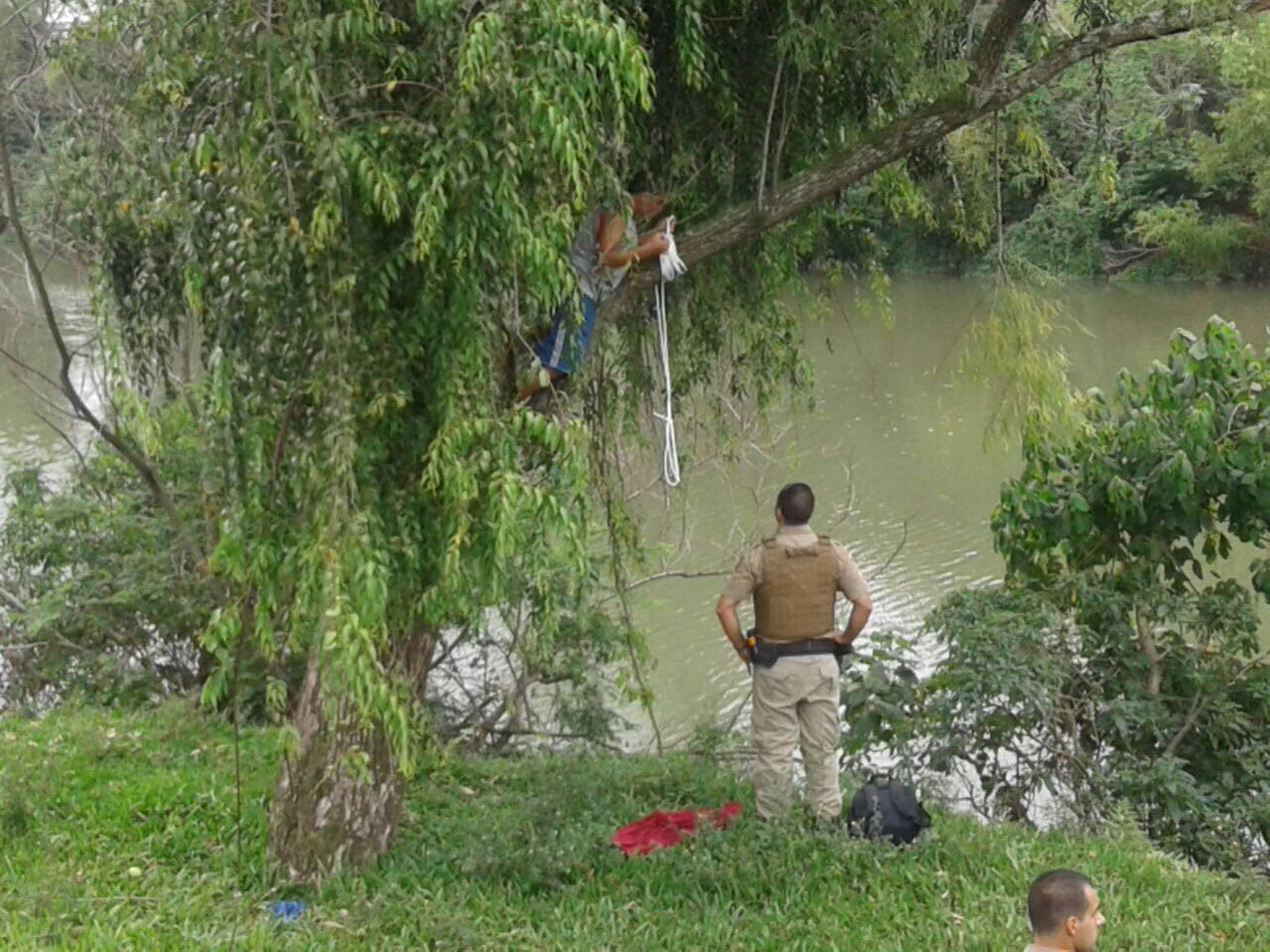 Policial Militar impede suicídio