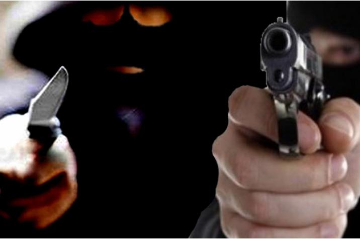 Assaltantes armados roubam caminhonete em Criciúma