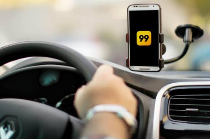 Motorista de aplicativo é rendido por bandidos armados e tem carro roubado em Criciúma