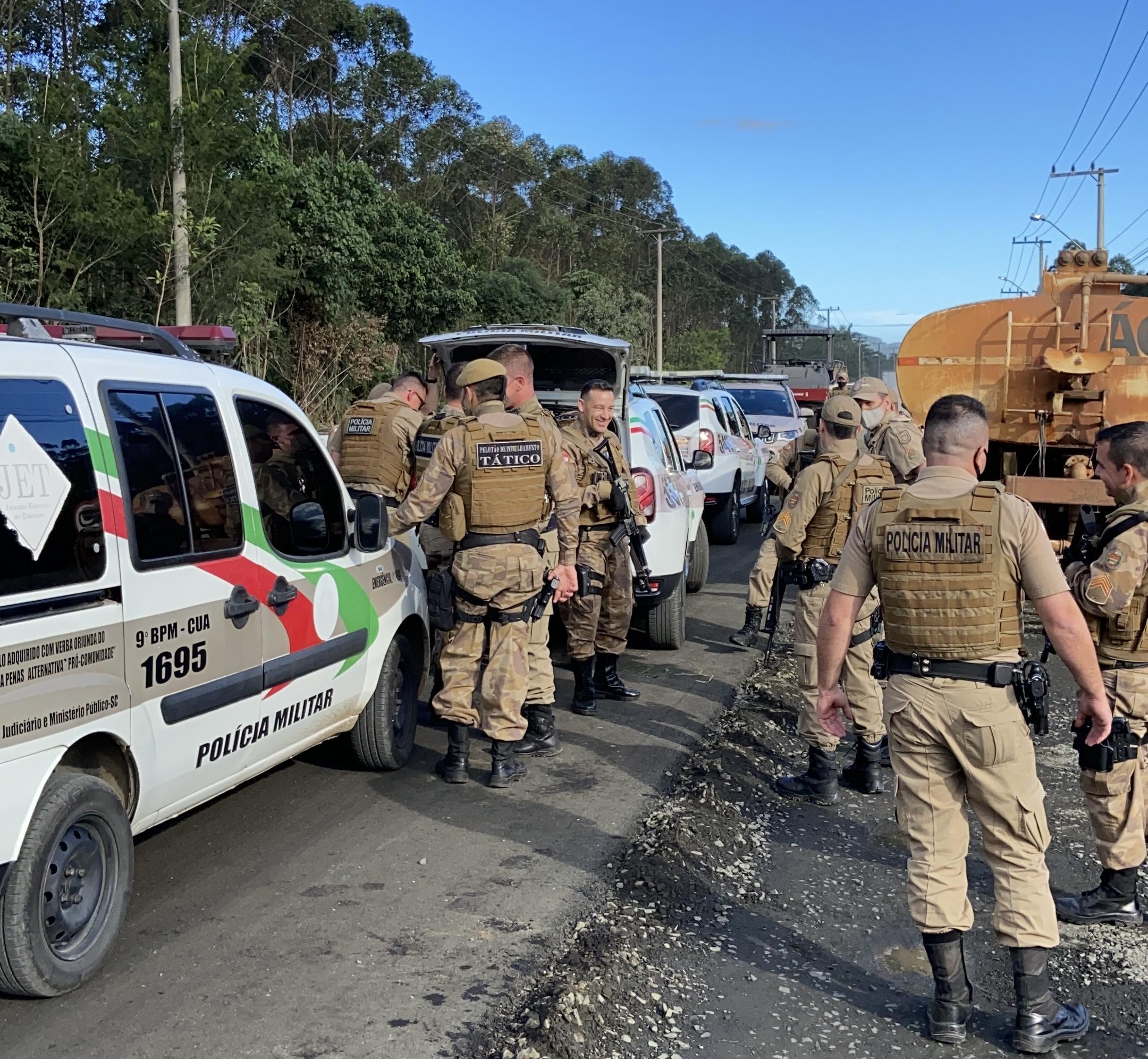 PM age rápido e prende assaltante em Criciúma